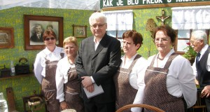 Ravnogorski umirovljenici s predsjednikom na Trgu